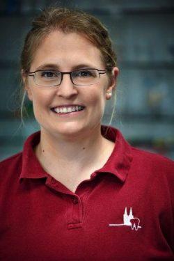 Zahnärztin Julia Ehrlich in Ihrer Praxis für Zahnheilkunde in Köln Braunsfeld
